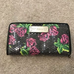 Handbags - Betsey Johnson Roses Wallet